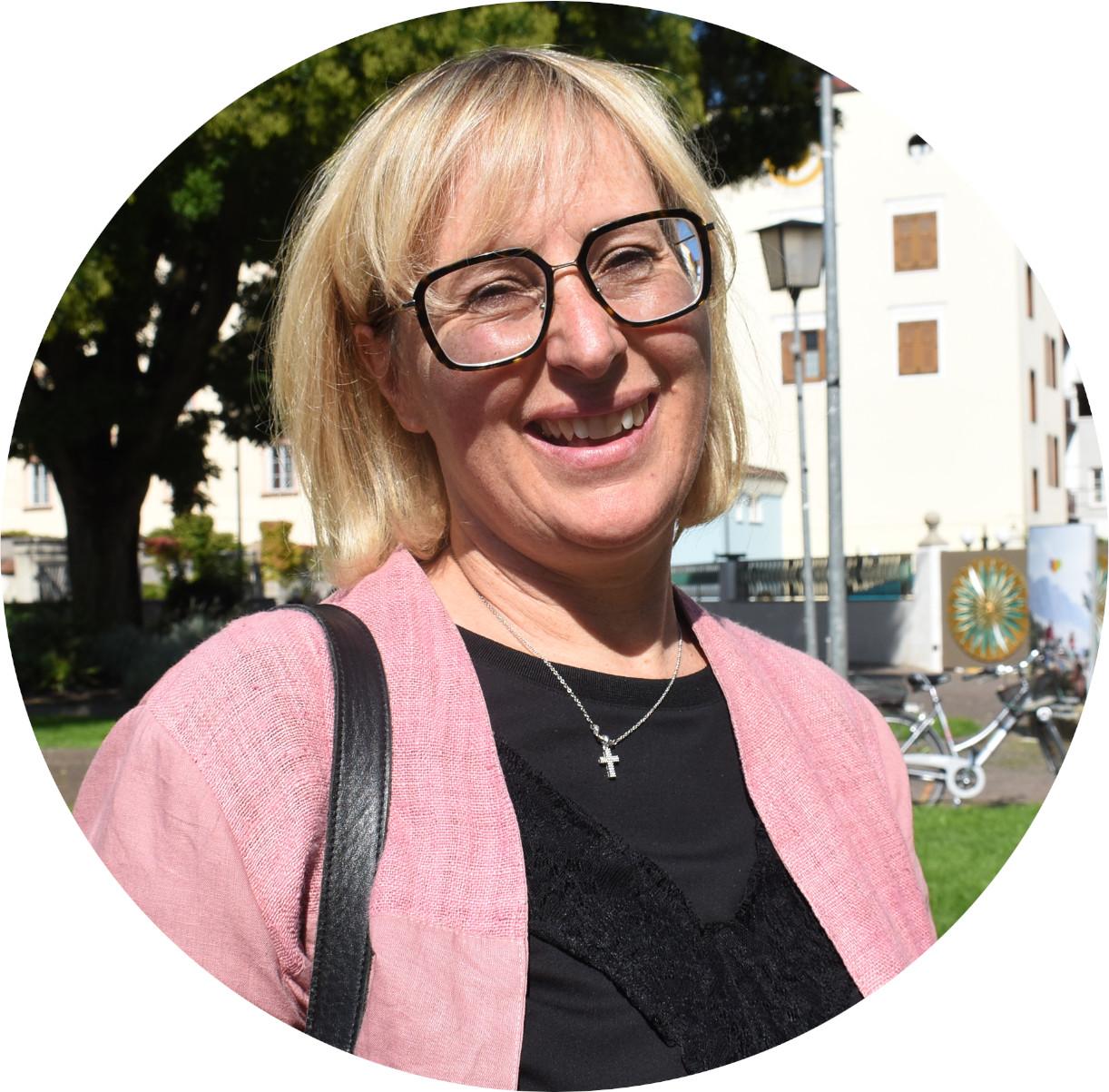 Heidi Mair am Tinkhof rund größer